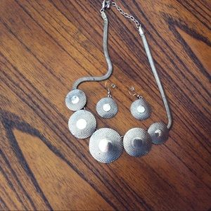 Jewelry - Silvertone Disc Necklace and Earring Set